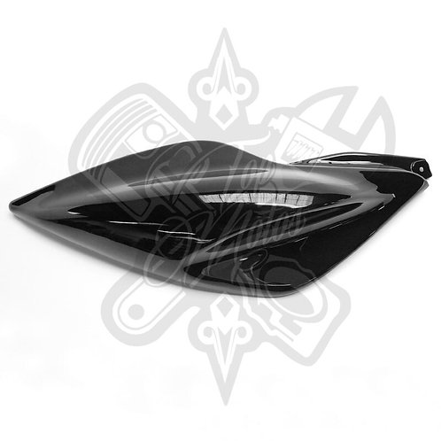 Chapa trasera derecha Replay para Yamaha Aerox Negro Brillante
