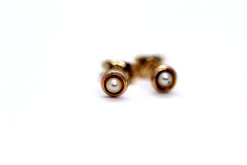 9ct Yellow Gold & Pearl stud earrings