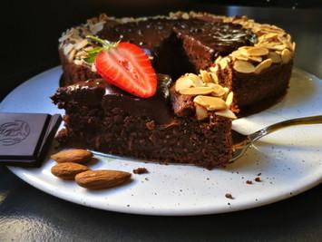 עוגת שוקולד חגיגית ללא קמח