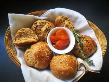 לחמניות מקמח כוסמין מלא ושמן זית, ללא שמרים