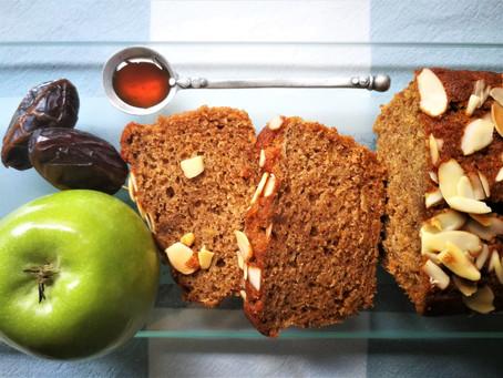 עוגת דבש, תפוחים ותמרים, ללא סוכר או תחליפיו