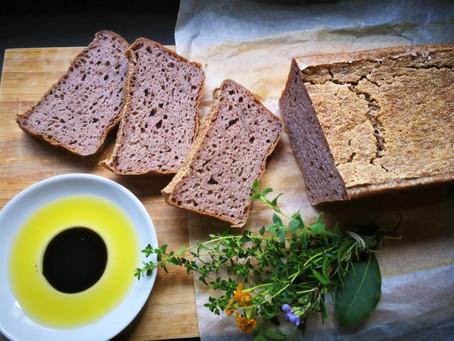 לחם כוסמת ירוקה מונבטת ומותססת