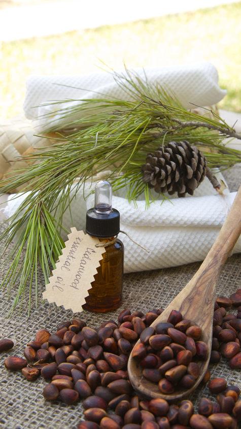 Cedrus Atlantica (Cedarwood) Wood Oil