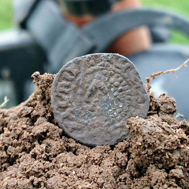 Today's best find and a first for me!_ Medieval Scottish short cross silver penny! #scottish #penny