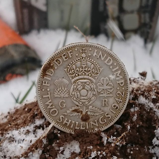 Today's best find 1942 Florin #allweather #allterrain #minus4 #2 #shilling #blizzard #metaldetecting