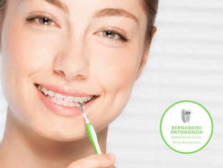 Igiene orale domiciliare degli spazi interdentali