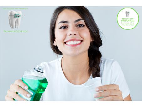 Il collutorio per una corretta igiene orale