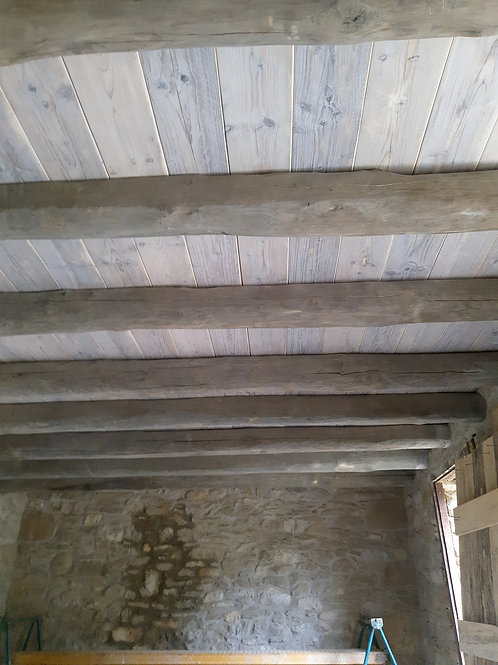 Floor and ceiling in White Wash