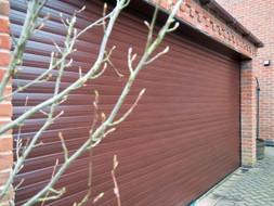 brown-double-garage-doors-400x300.jpg