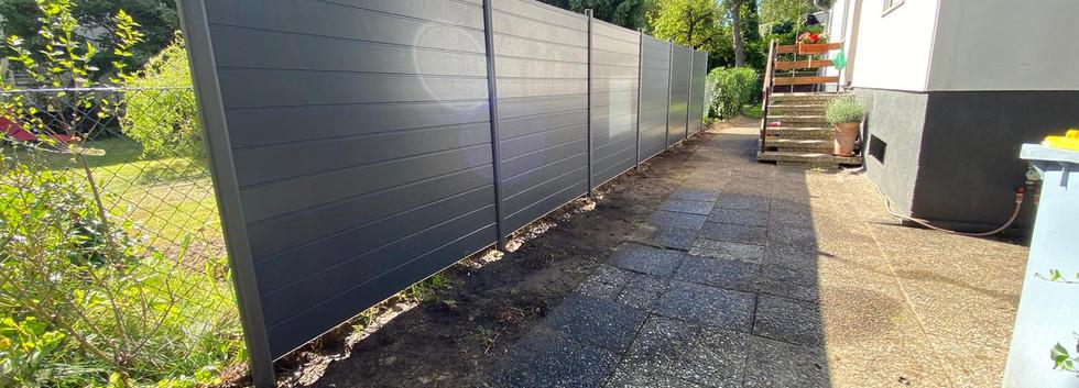 Möller-Gartenbau-Garten-und-Landschaftsbau-Berlin-Sichtschutzzaun.jpeg
