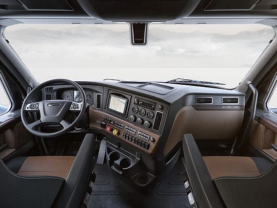 new-cascadia-18-wheel-corner-office.jpg