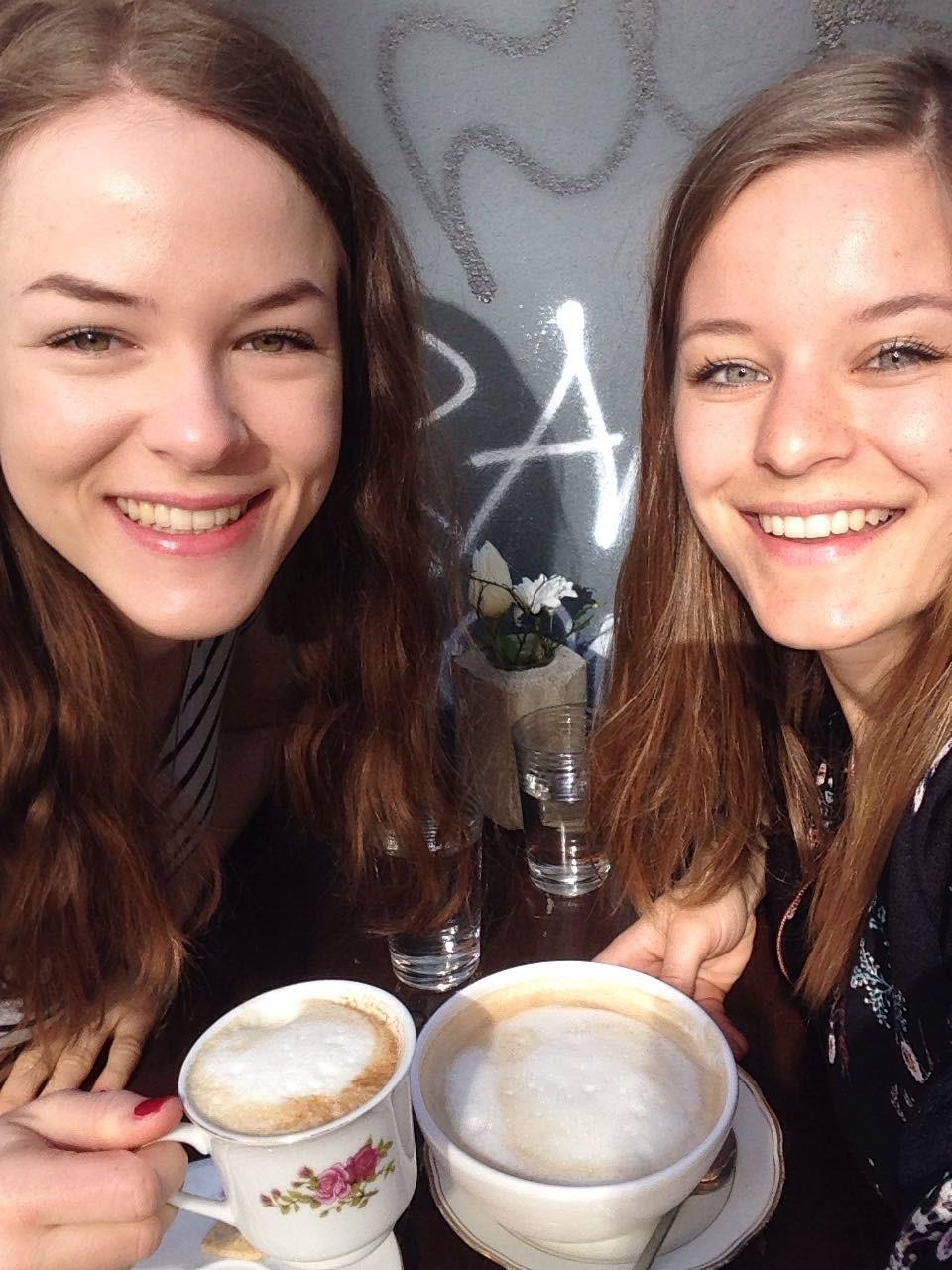 Café Pêle-Mêle Berlin - Verena und Cora