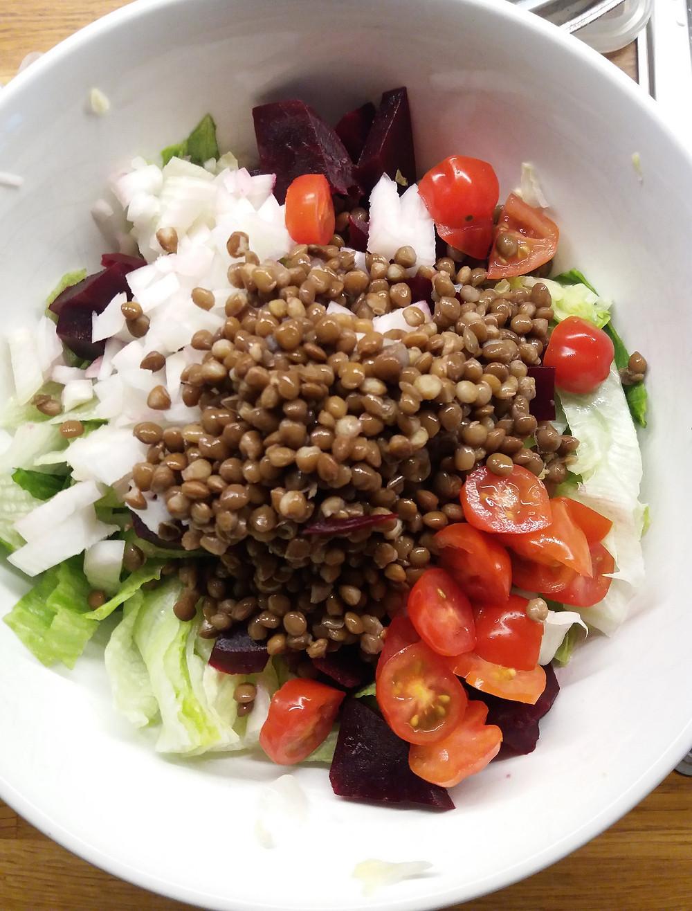 Bunter Salat vegan