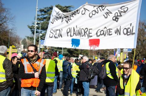 Vivre en France coûte un bras, s'en plaindre coûte un oeil, Konbini, Février 2019