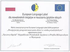 O jakości edukacji dwujęzycznej w Tęczowym Ogrodzieświadczą zdobyte certyfikaty edukacyjne.