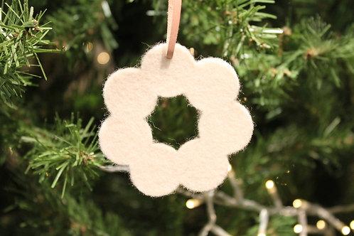 Helmi Felt Snowflake - White