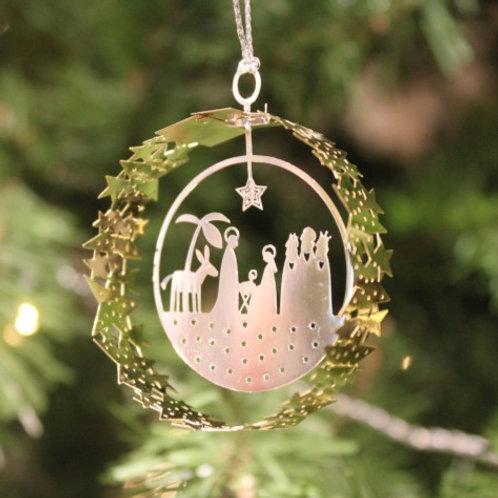 Nativity Scene in Gold Circle
