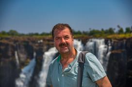 Herby Meyer mit World Wide Visoin in Zimbabwe