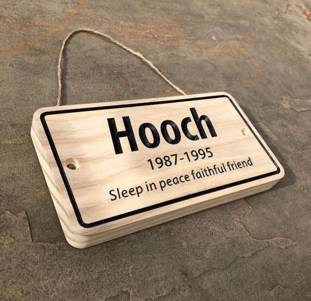 Hooch simple plaque large