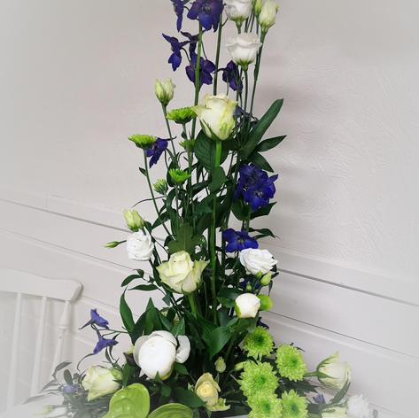 Stående dekor lilla og hvit