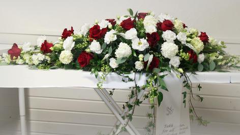 Rød og hvite blomster