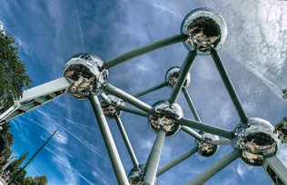 brussels-atomium-blue-sky-belgium-europe