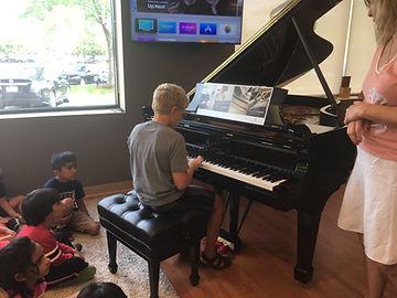 Vernon Hills Montessori school music classes