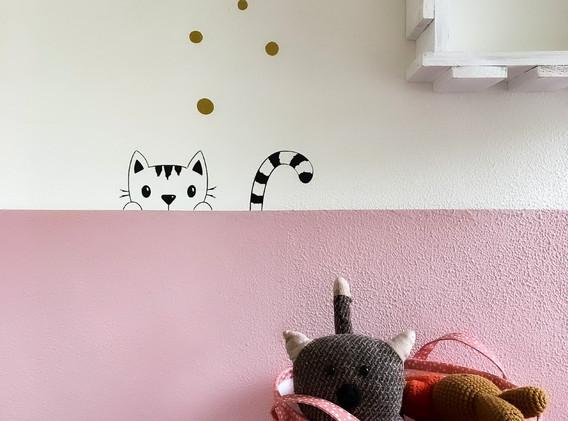 Moonwalk Teddybear x Lesja illustraties muursticker kiekeboe kat