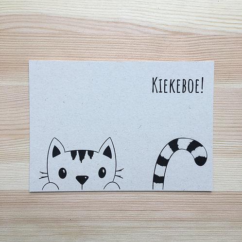 Ansichtkaart 'kiekeboe kat' van Lesja illustraties