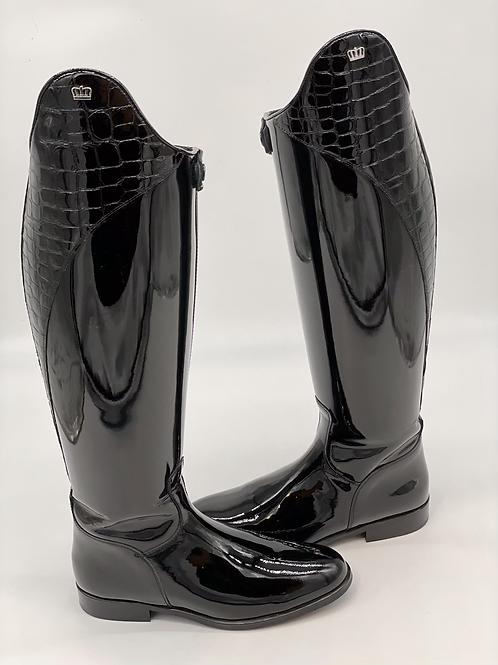 Kingsley Capri--Patent Black, size 41