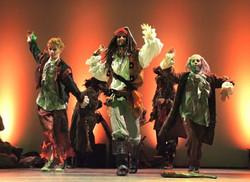 Choreografin und Tänzerin als Jack Sparrow