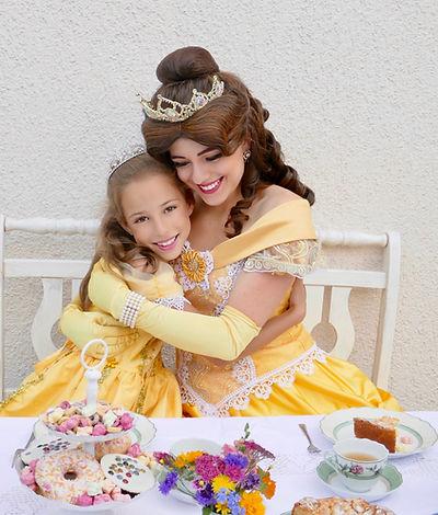 Prinzessin Bella besucht kleine Prinzessinnen zum Geburtstag - Märchenhafter Besuch