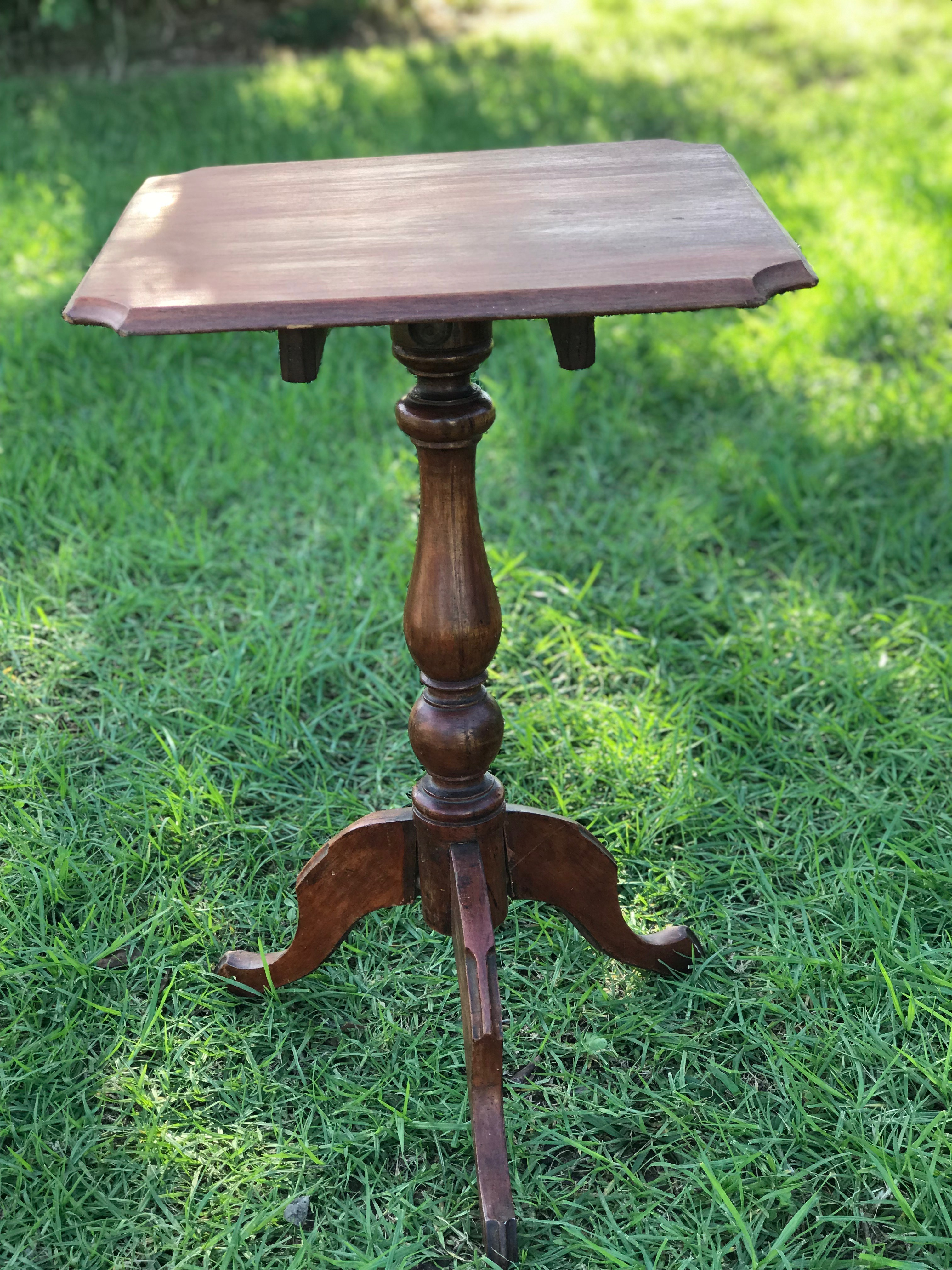 Vintage Side/Cake Table