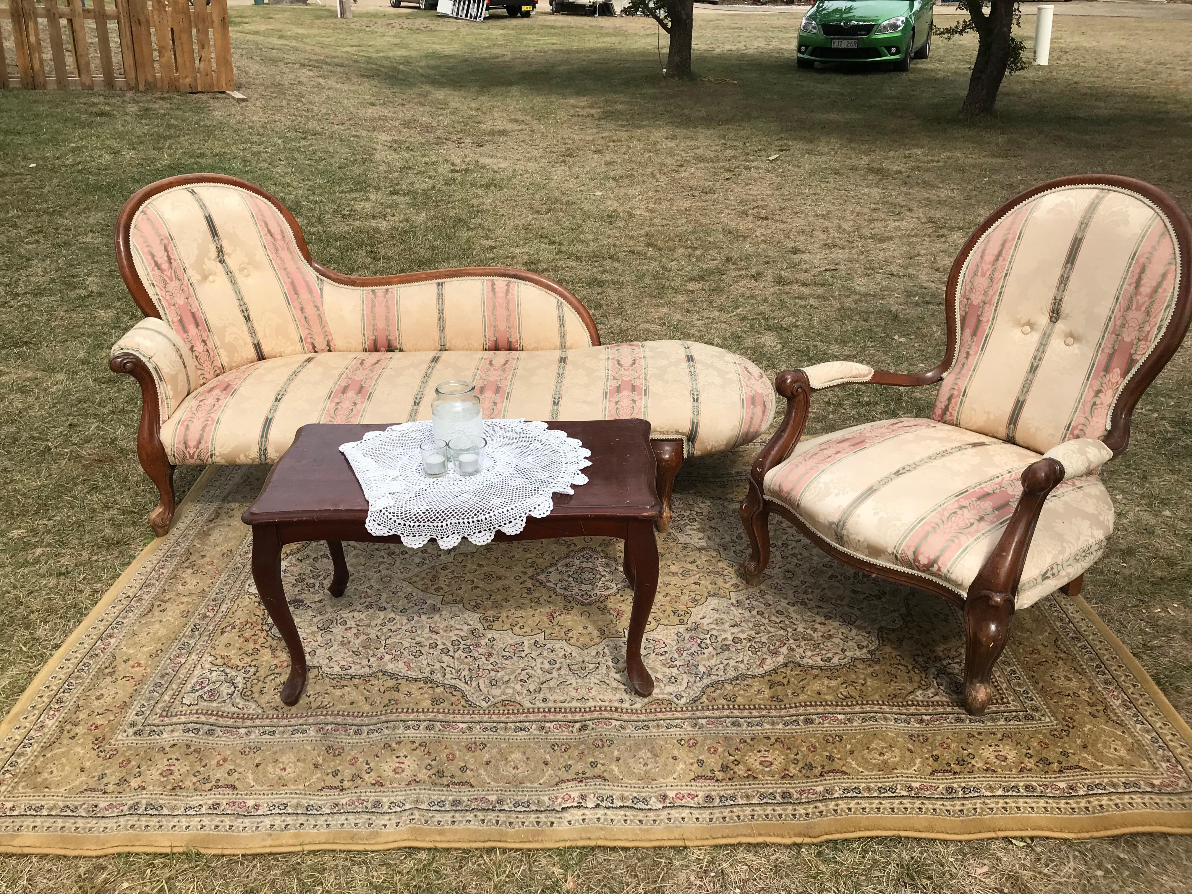 Vintage Lounge Suite