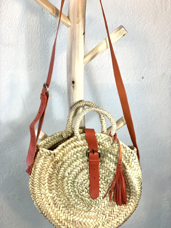 Panier rond bandoulière et fermeture cuir corail