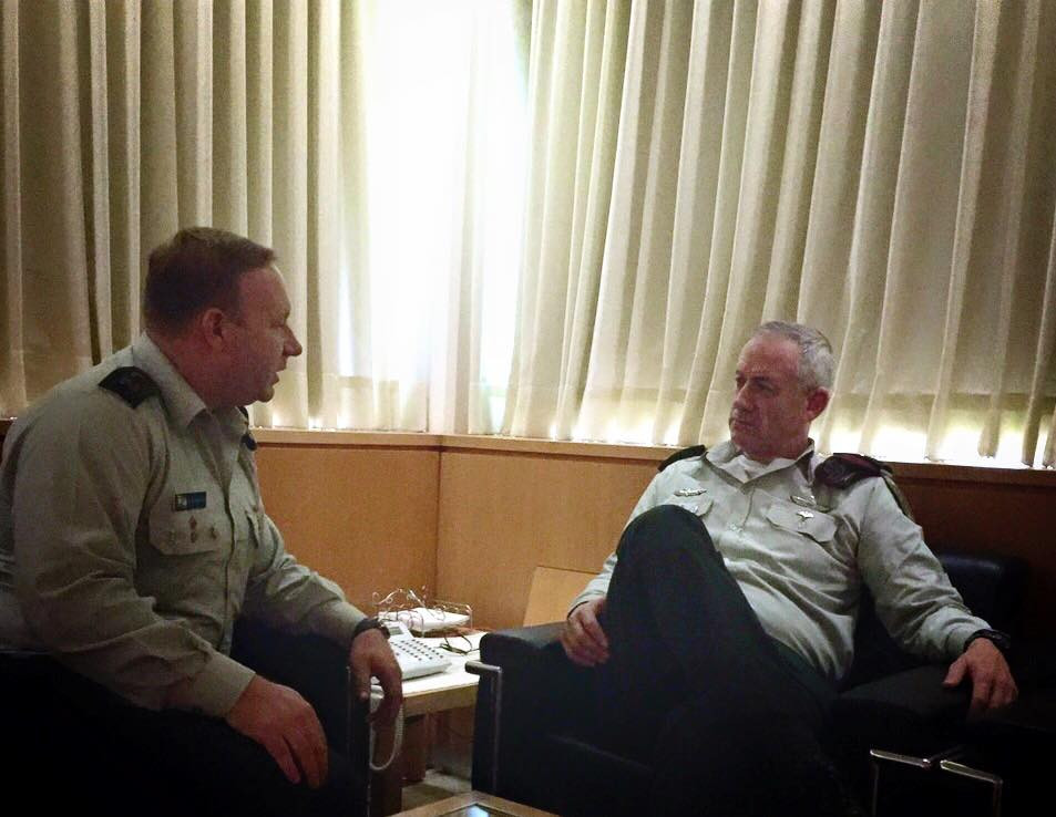 Briefing Lt. Gen. Gantz prior to a CNN interview