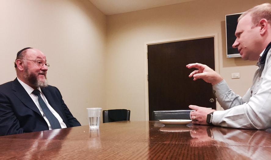 Briefing Chief Rabbi Mirvis
