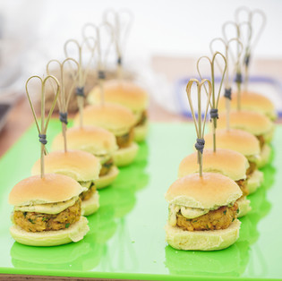 Crab cake sliders with sriracha mayo