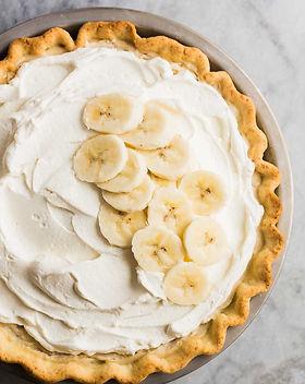 banana-cream-pie-www.thereciperebel.com-