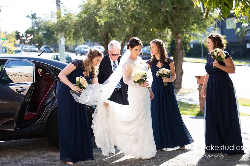 Bride arrival limos