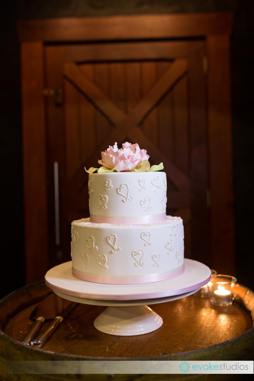 2 teir wedding cake pink
