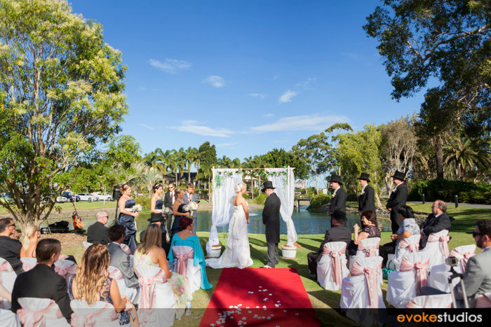Emerald lakes wedding