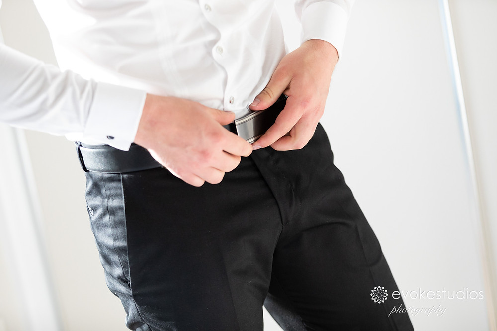 groom belt