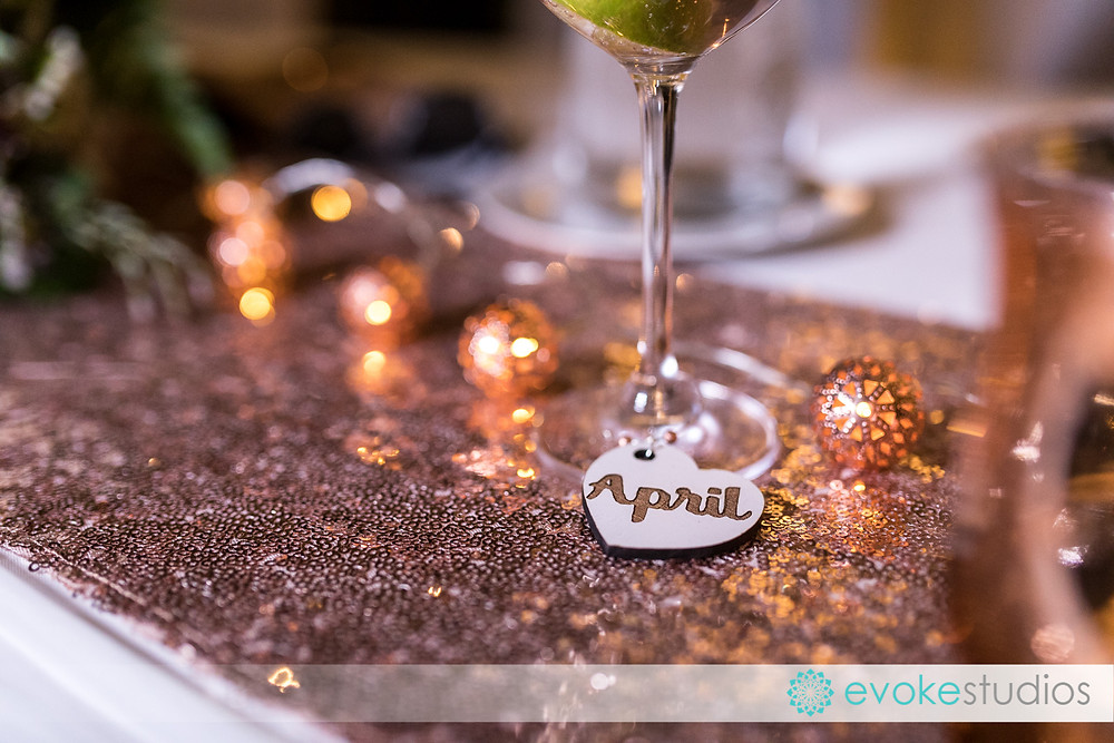 Wine glass place cards and gift
