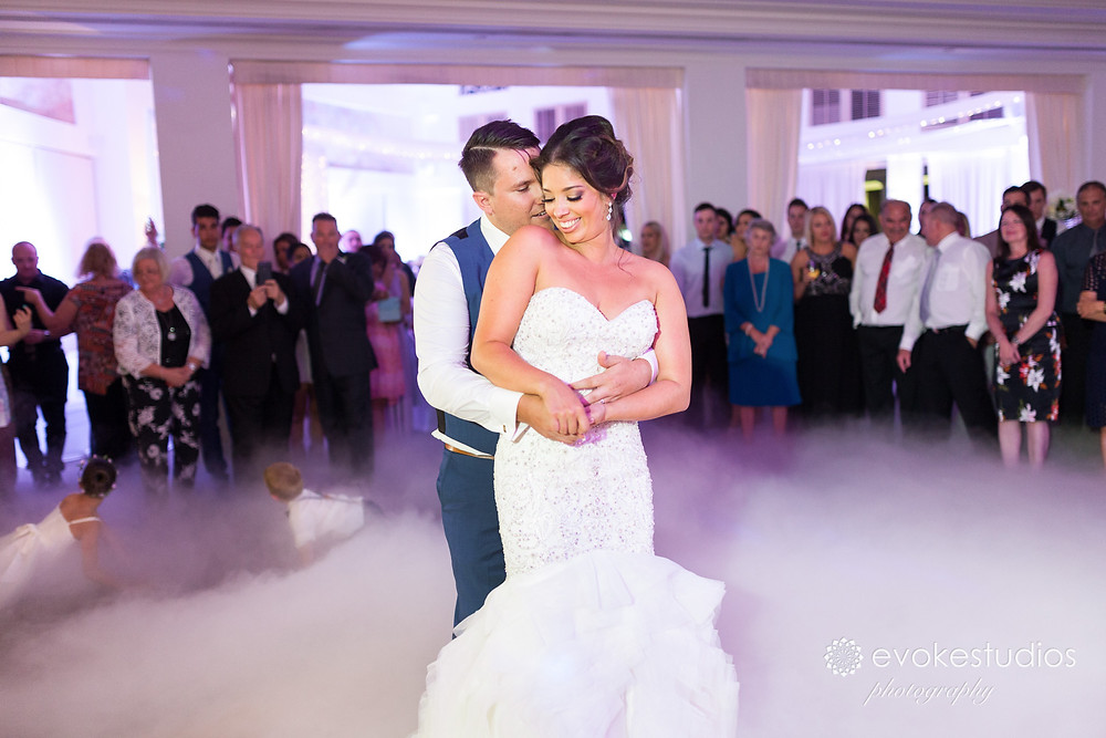 Links Hope Island Wedding Photographer