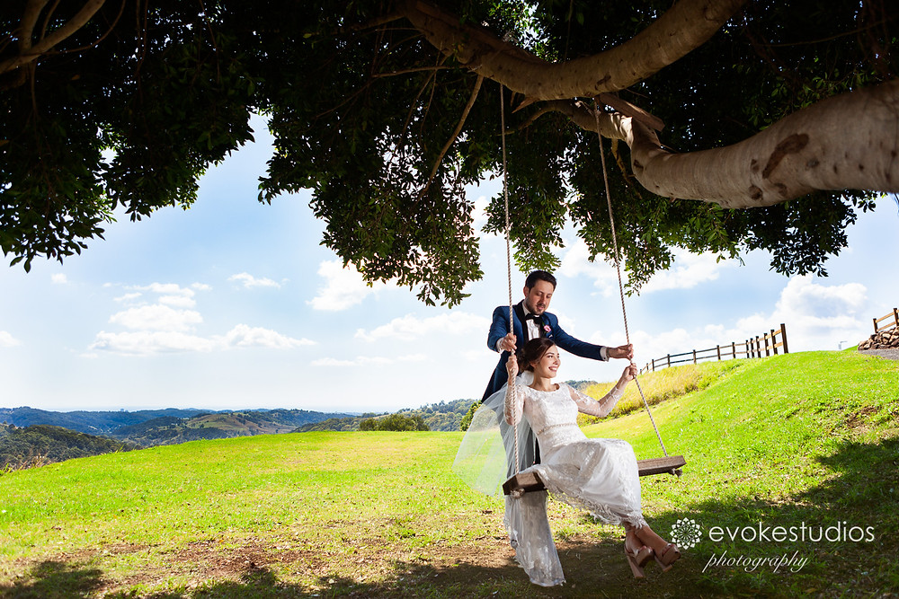 Wedding photography country swing
