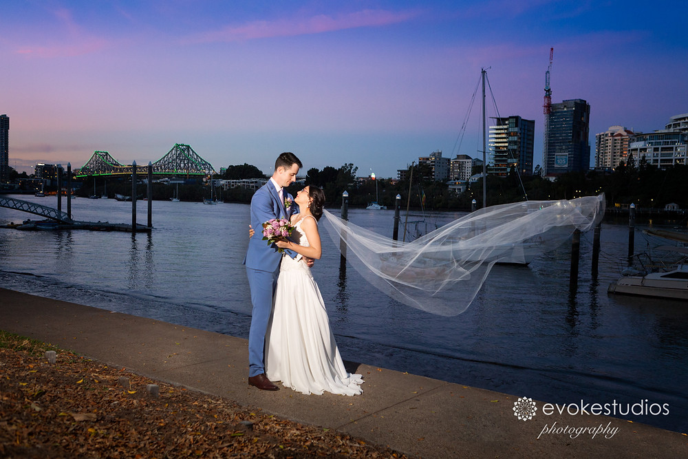 Story Bridge wedding photography