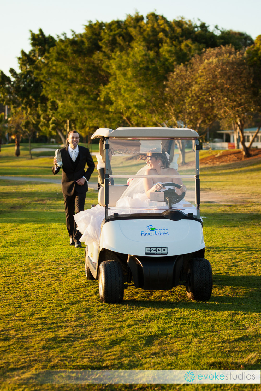 Golf course wedding transport
