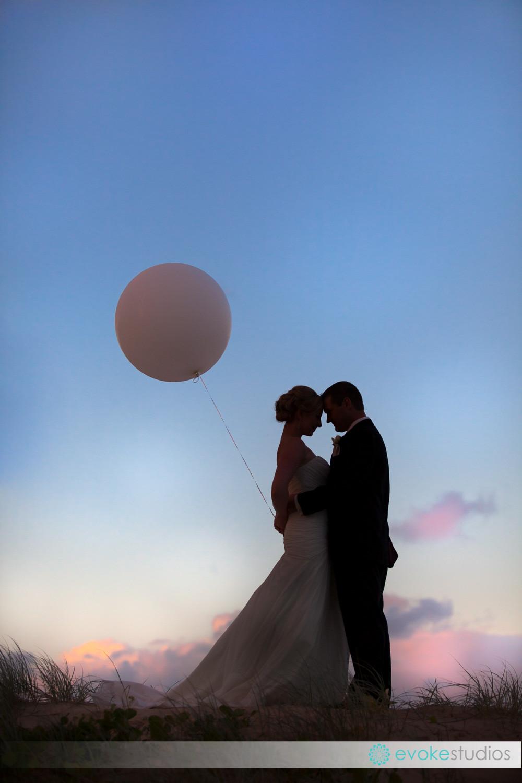 Big balloon wedding photography