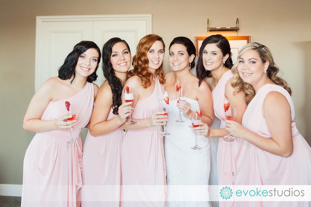 Bridesmaids and champaigne